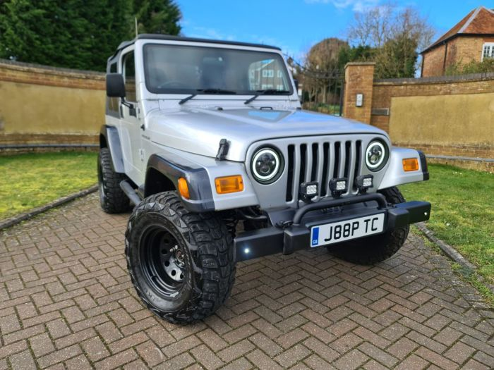 Jeep Wrangler 4.0 Grizzly 2dr Convertible Petrol Silver