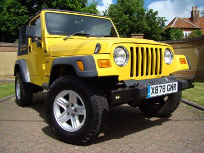 Jeep Wrangler WRANGLER SPORT 2.5 Estate Petrol YellowJeep Wrangler WRANGLER SPORT 2.5 Estate Petrol Yellow at Jeep Wranglers Leighton Buzzard