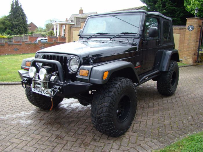 Jeep Wrangler 4.0 Sahara 2dr Auto Estate Petrol Black