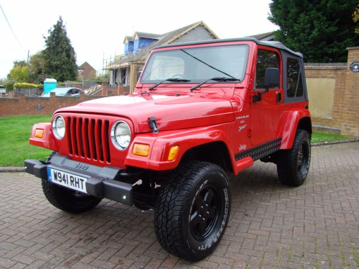 Jeep Wrangler 4.0 Sport 2dr Estate Petrol Red/black