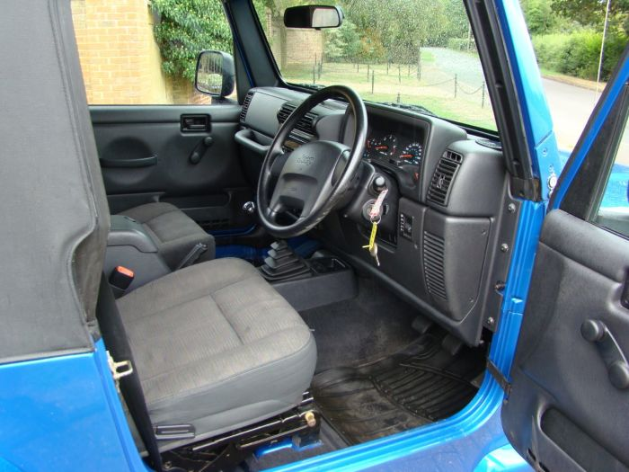 Jeep Wrangler 4.0 Sport TR2 2dr Estate Petrol Blue