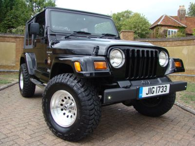 Jeep Wrangler 4.0 Sahara Auto Soft Top Estate Petrol BlackJeep Wrangler 4.0 Sahara Auto Soft Top Estate Petrol Black at Jeep Wranglers Leighton Buzzard