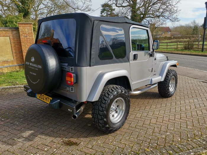 Jeep Wrangler 4.0 60th Anniversary LPG Estate Petrol Silver